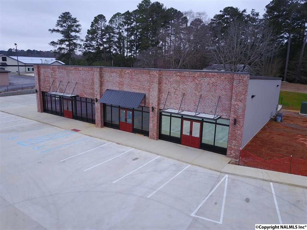 Photo of home for sale at 5595 Highway 278, Hokes Bluff AL