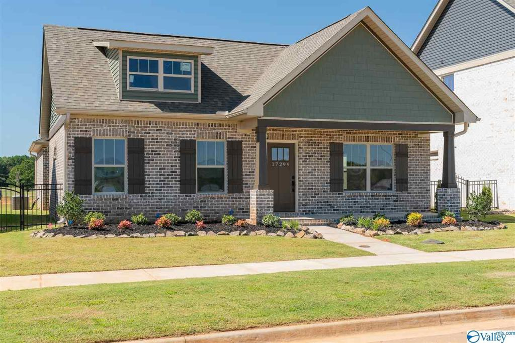 Photo of home for sale at 17299 Brooklawn Street, Athens AL