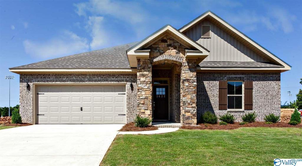 Photo of home for sale at 108 Trestle Street, Huntsville AL