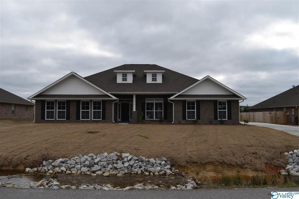 Photo of home for sale at Hamer Road, Owens Cross Roads AL
