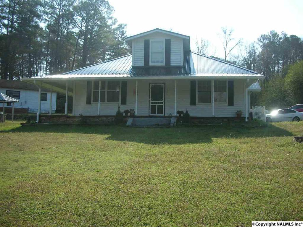 Photo of home for sale at Madeline Avenue, Gadsden AL