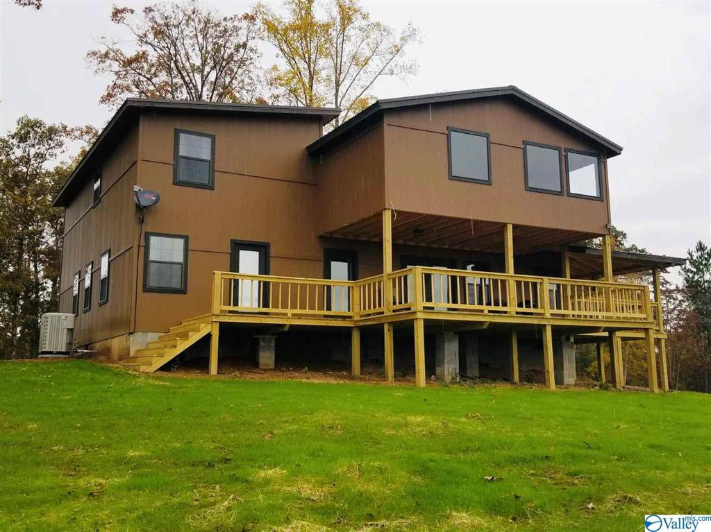 Photo of home for sale at 1897 County Road 207, Collinsville AL