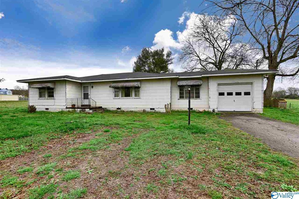 Photo of home for sale at 7231 Elkton Pike, Prospect TN