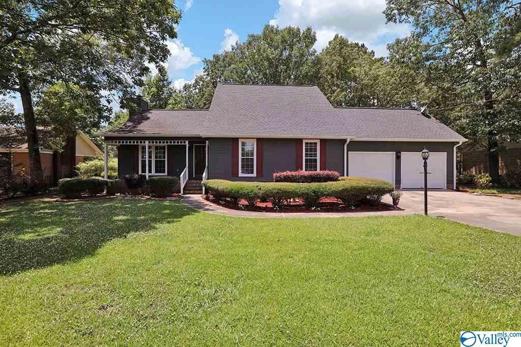 Photo of home for sale at 115 Turman Street, Rainbow City AL