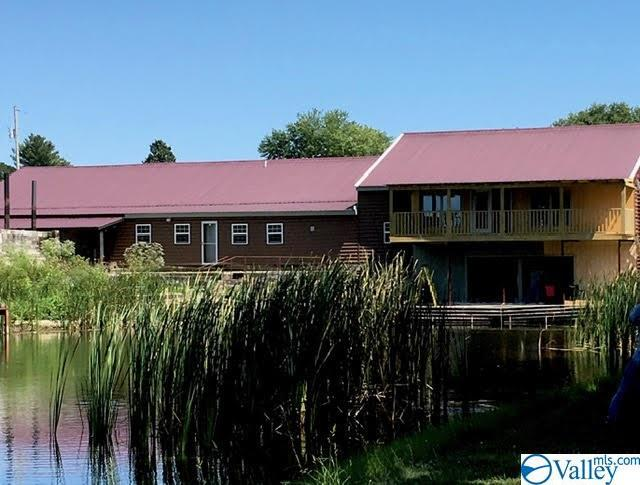 Photo of home for sale at 2337 County Road 90, Rainsville AL