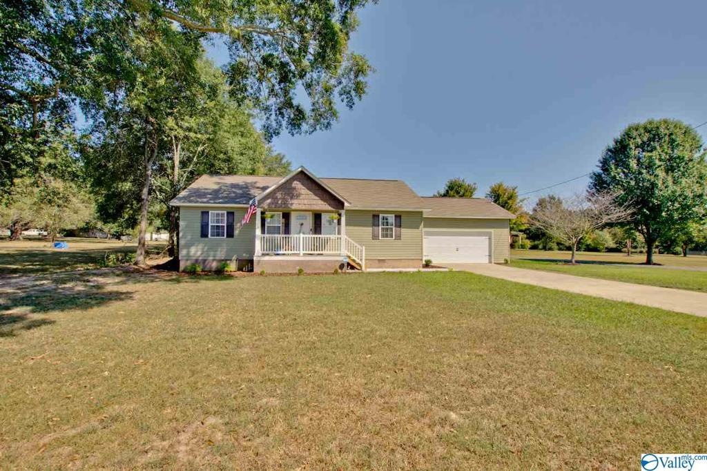 Photo of home for sale at 444 Summerville Road, Boaz AL