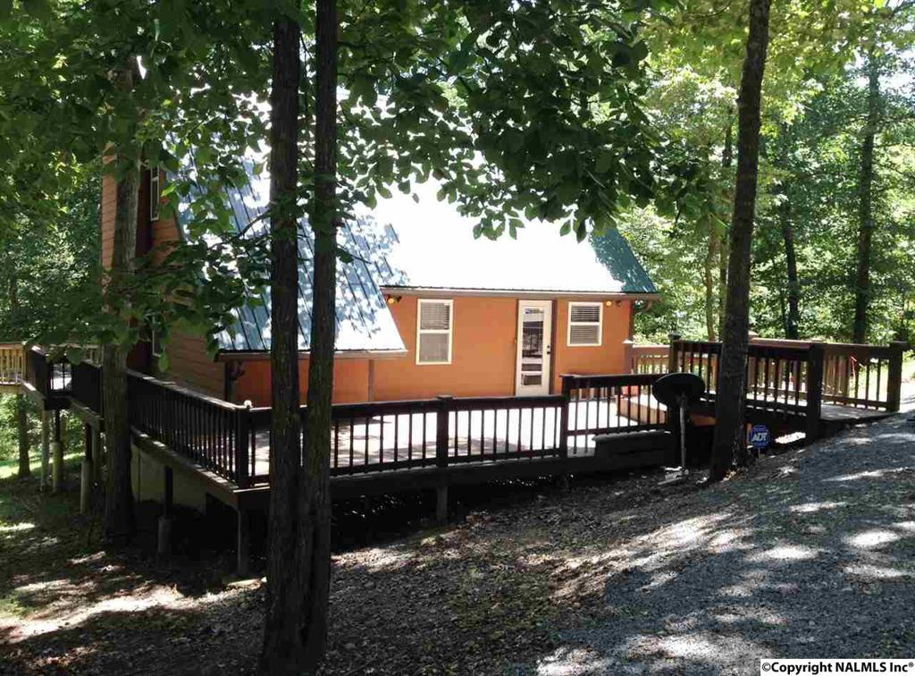 Photo of home for sale at 387 Road 983, Collinsville AL
