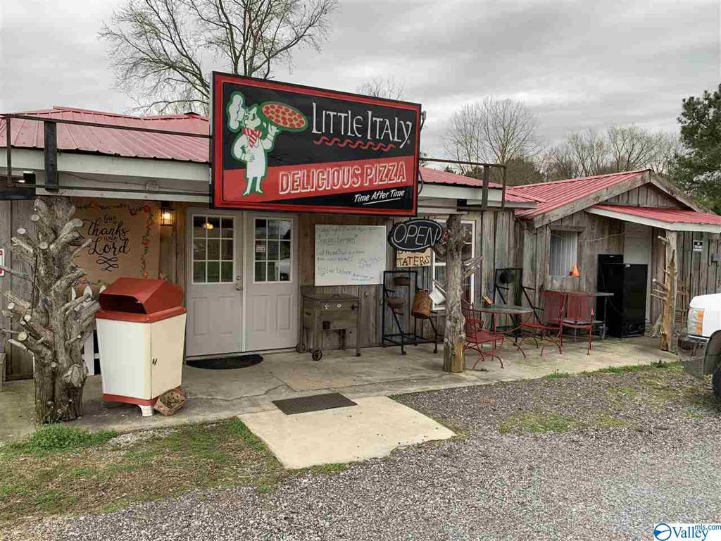 Photo of home for sale at 2088 Us Highway 231, Arab AL