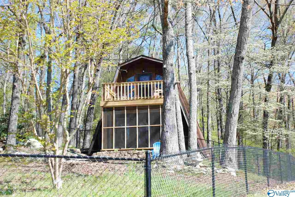 Photo of home for sale at 2917 Browder Road NW, Fort Payne AL