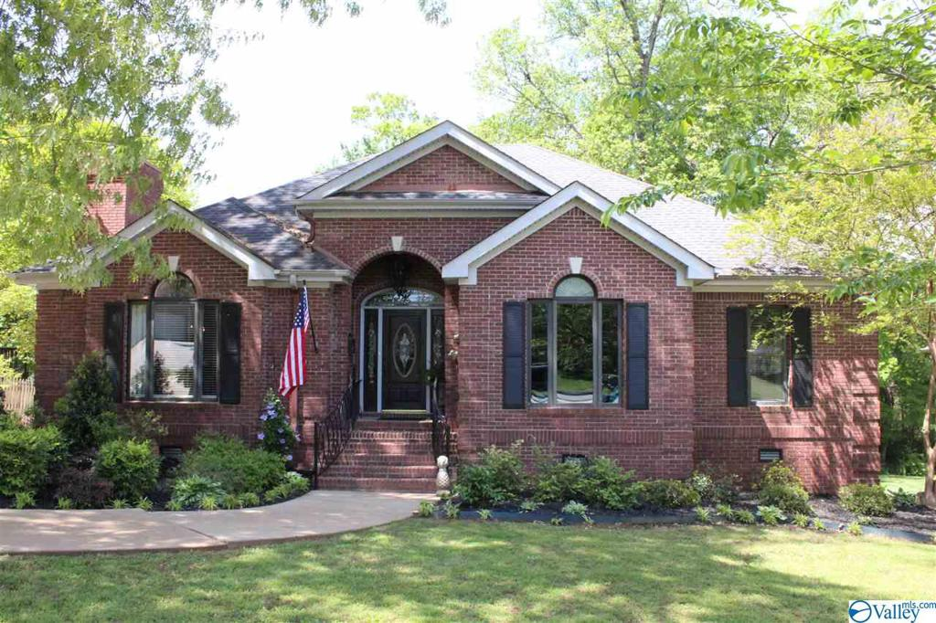 Photo of home for sale at 108 Otey Drive, Meridianville AL