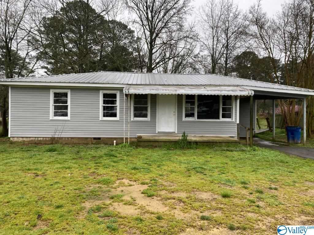 Photo of home for sale at 305 Beulah Cut-off Road, Albertville AL