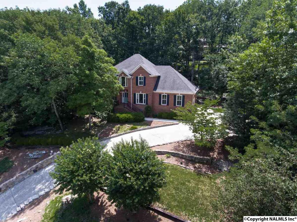 Photo of home for sale at Trevor Drive, Huntsville AL