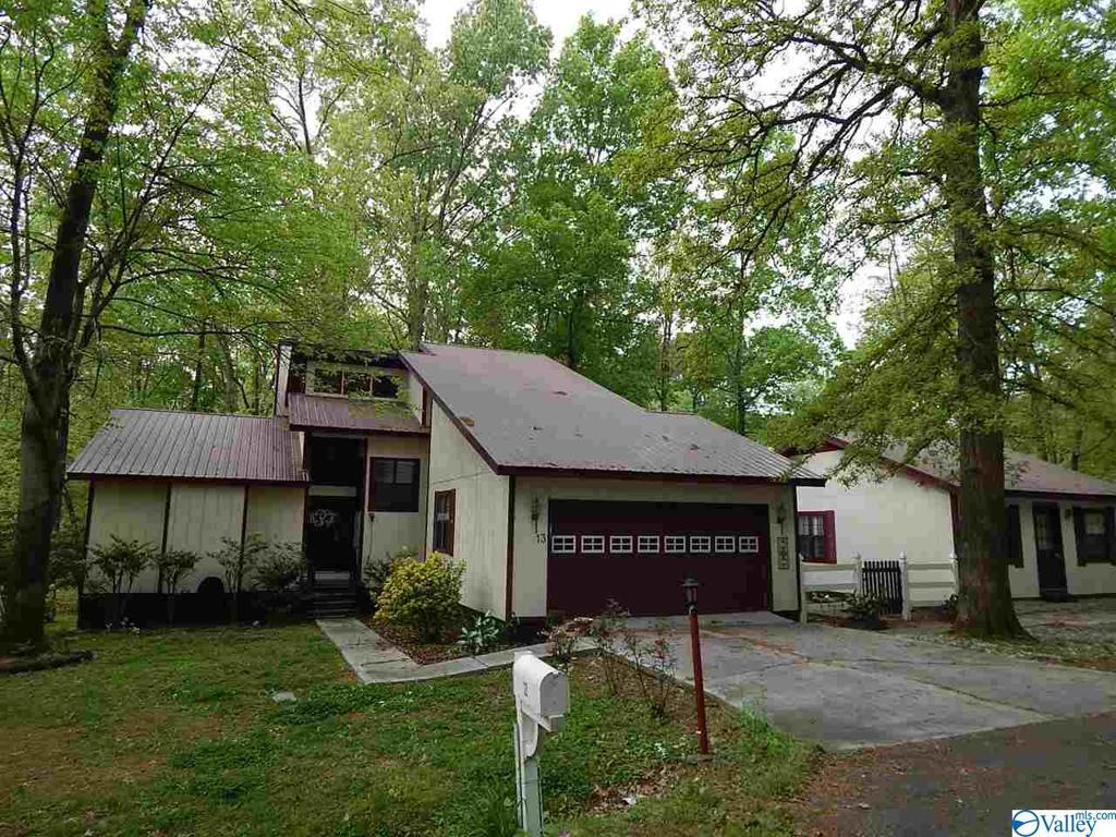 Photo of home for sale at 13 Serenity Street, Guntersville AL