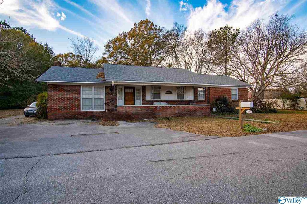 Photo of home for sale at 225 College Street, Town Creek AL