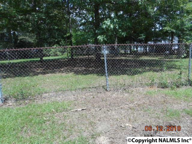 Photo of home for sale at Waldrop Drive, Rainbow City AL