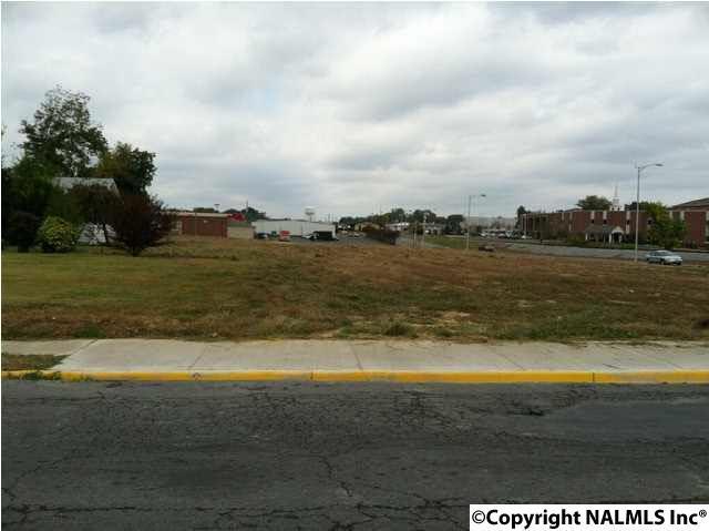 Photo of home for sale at 301 Jackson Street, Albertville AL