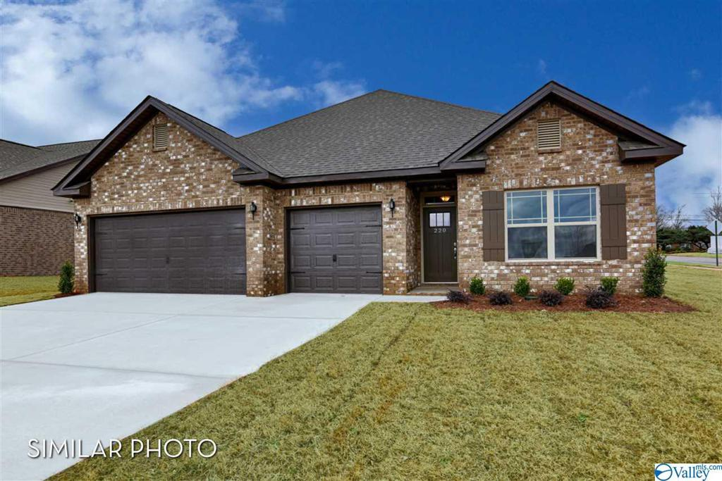 Photo of home for sale at 115 Pomelo Street, Huntsville AL