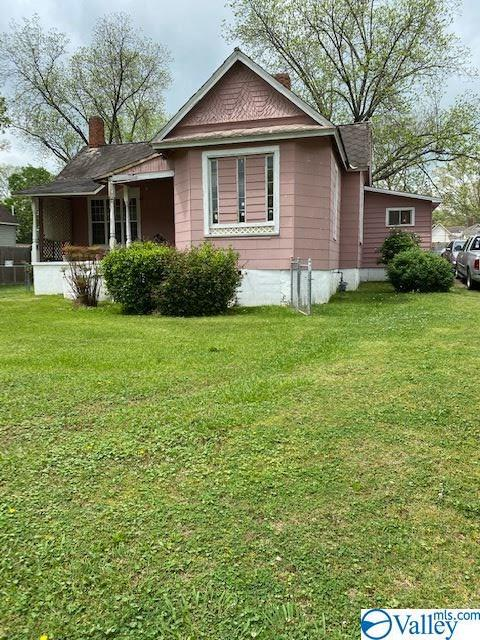 Photo of home for sale at 3 Comnock Avenue, Gadsden AL