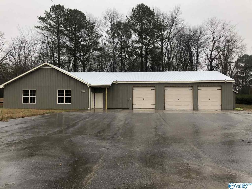 Photo of home for sale at 4434 Us Highway 231, Union Grove AL