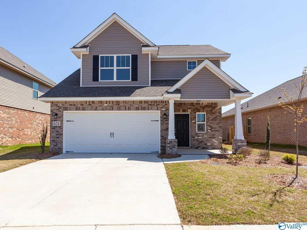 Photo of home for sale at 624 Magnolia Place Lane, Hartselle AL