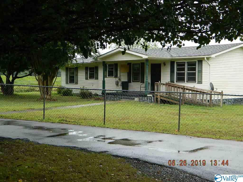 Photo of home for sale at 1119 County Road 376, Pisgah AL