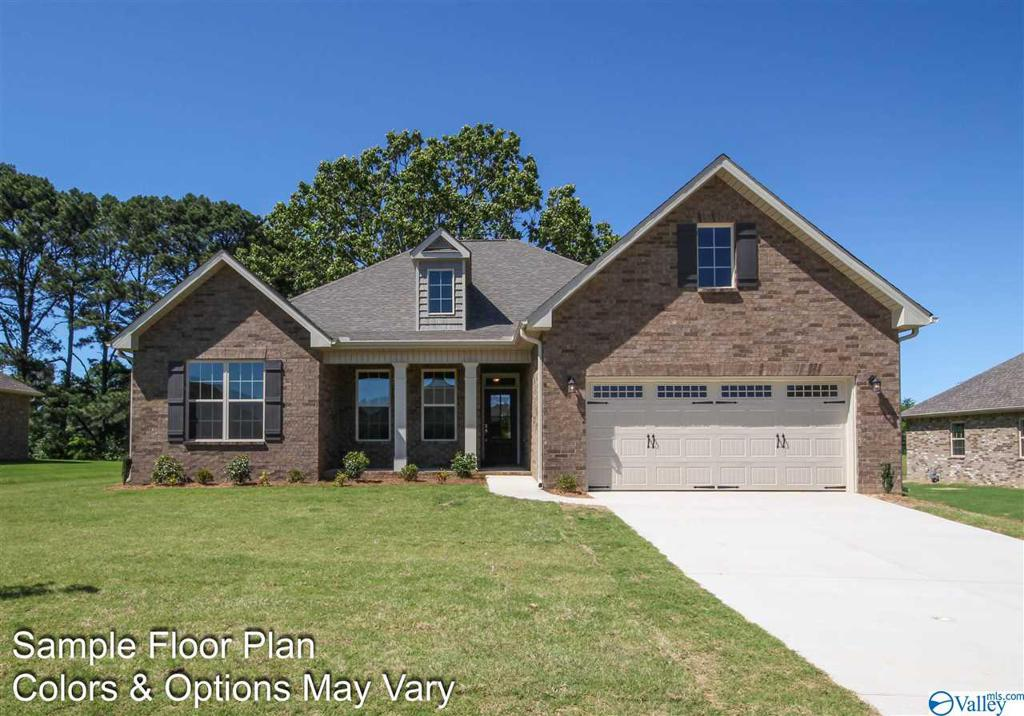 Photo of home for sale at 128 Willow Bank Circle, Priceville AL
