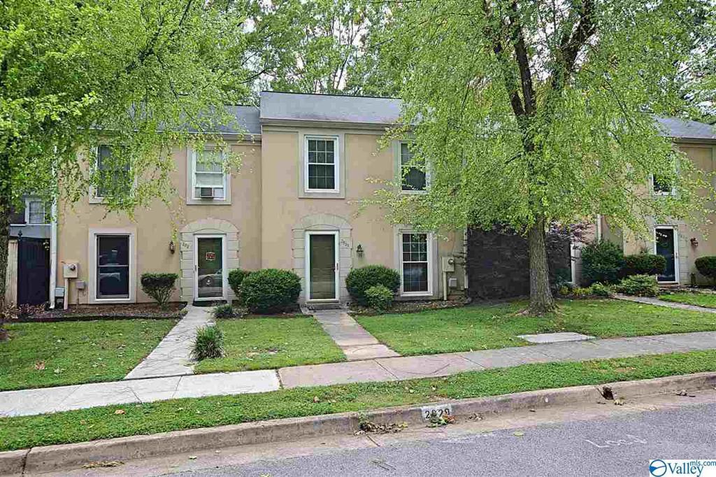 Photo of home for sale at 2829 Wynterhall Road, Huntsville AL
