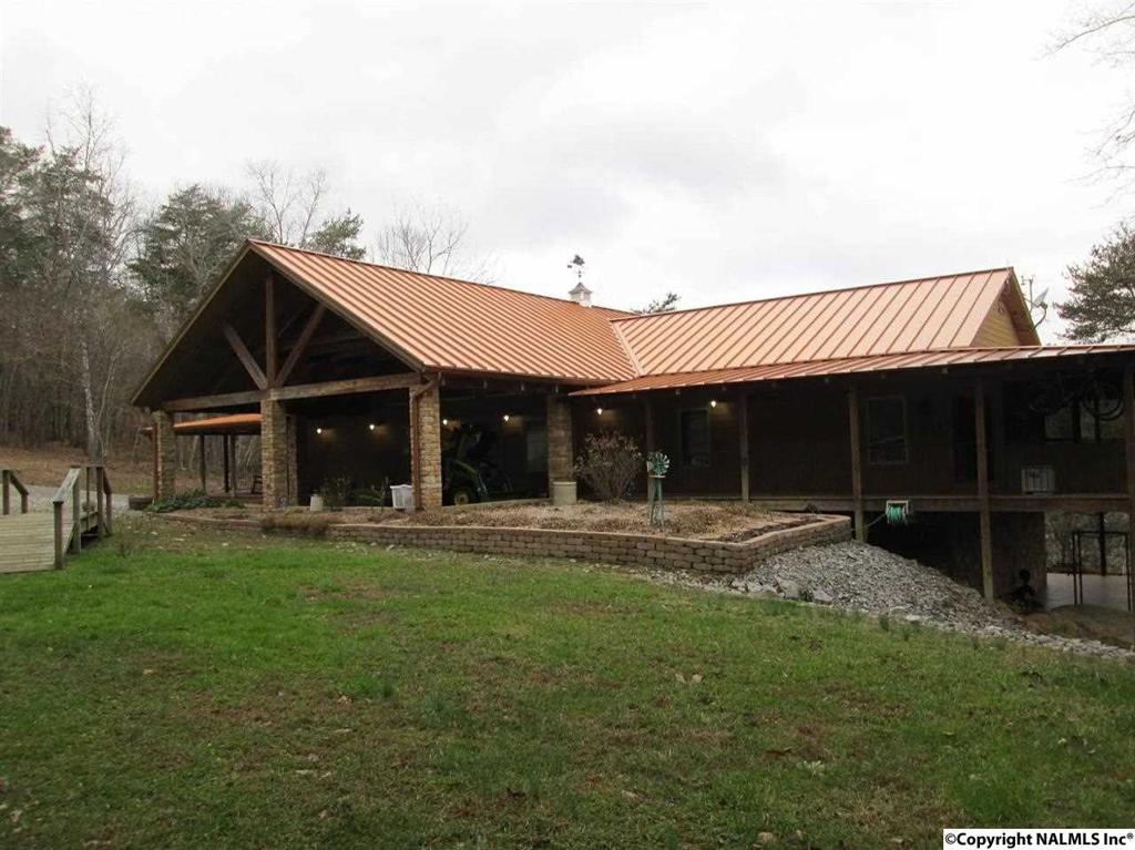 Photo of home for sale at County Road 275, Fort Payne AL