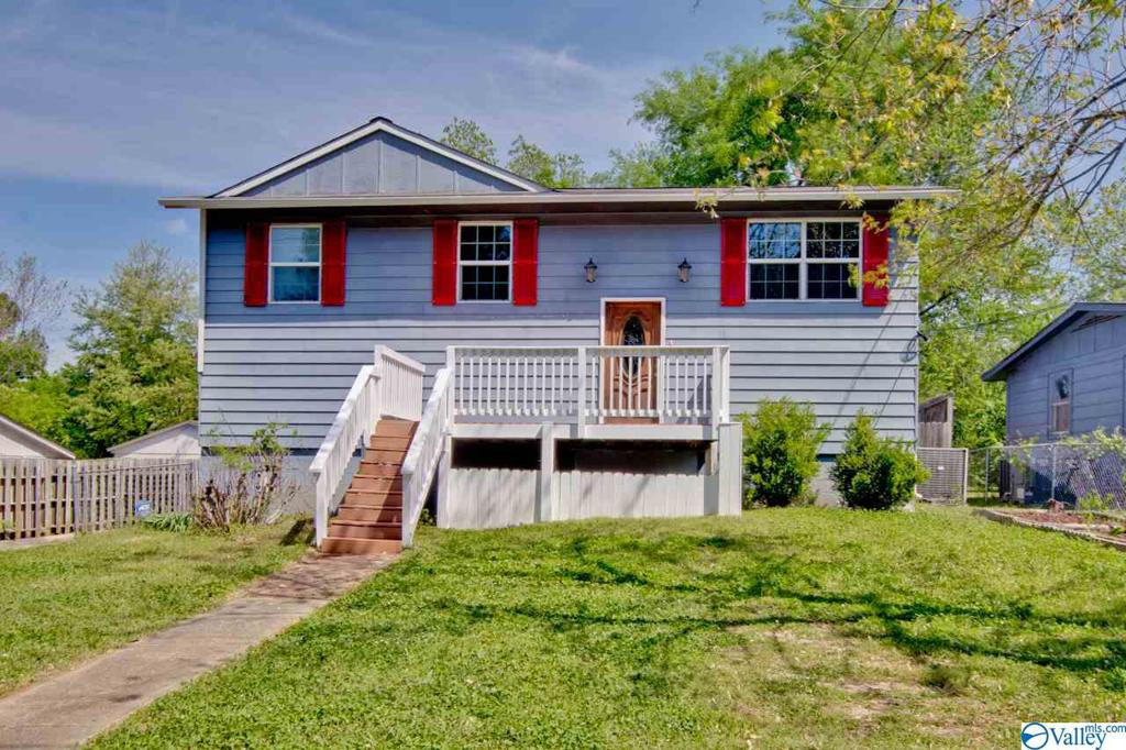 Photo of home for sale at 510 Max Luther Drive, Huntsville AL