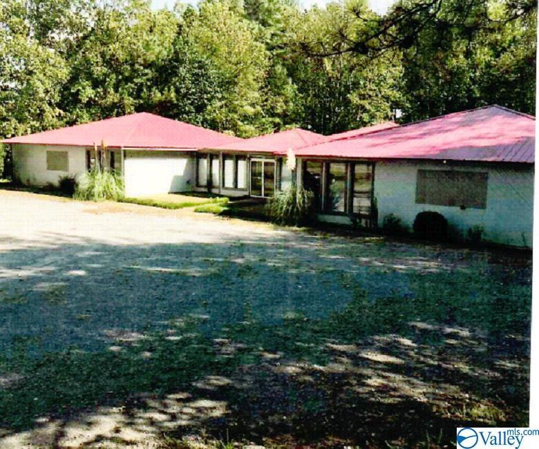 Photo of home for sale at 655 Northgate Drive, Arab AL