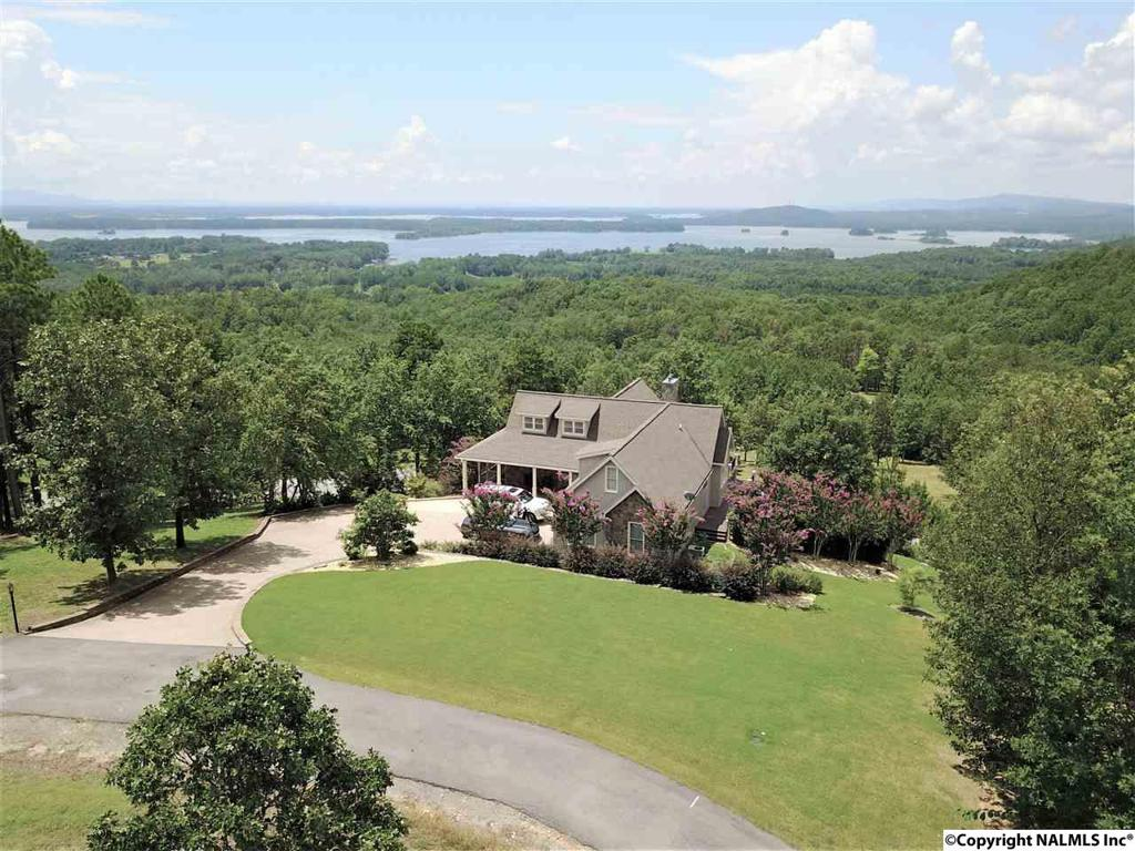 Photo of home for sale at 600 County Road 767, Cedar Bluff AL
