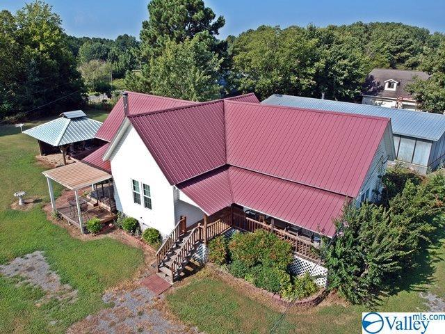 Photo of home for sale at 7089 County Road 124, Dutton AL