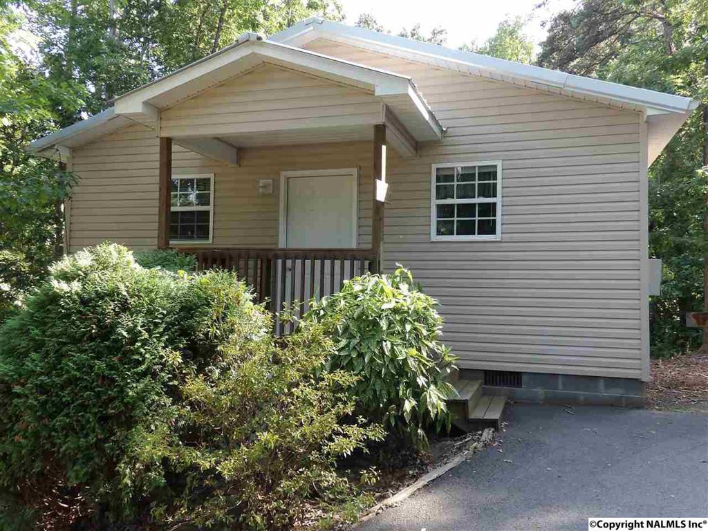 Photo of home for sale at 6129 Scottsboro Hwy 79, Scottsboro AL