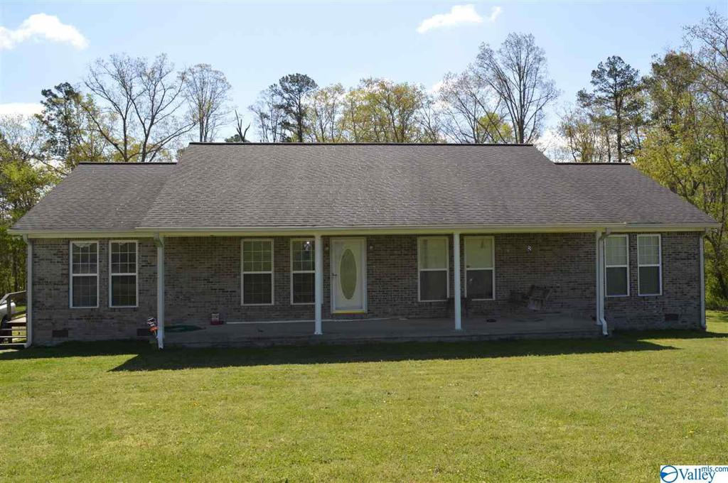 Photo of home for sale at 4770 County Road 155, Higdon AL