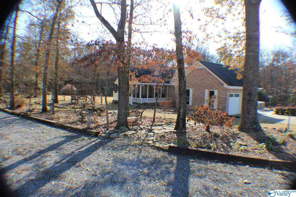 Photo of home for sale at 356 County Road 574, Rainsville AL