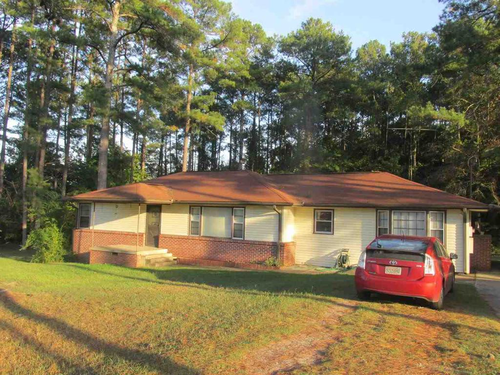Photo of home for sale at Lindsey Street, Rainbow City AL