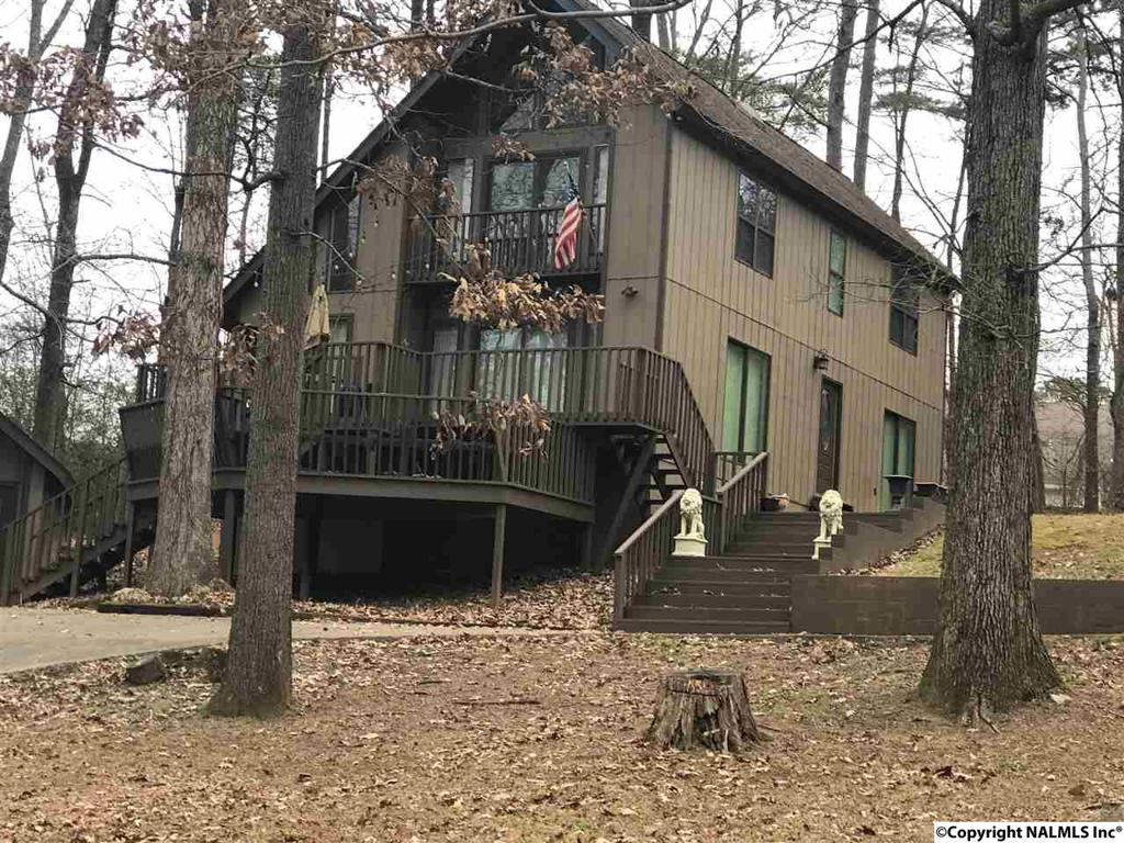 Photo of home for sale at Cherokee Road, Scottsboro AL
