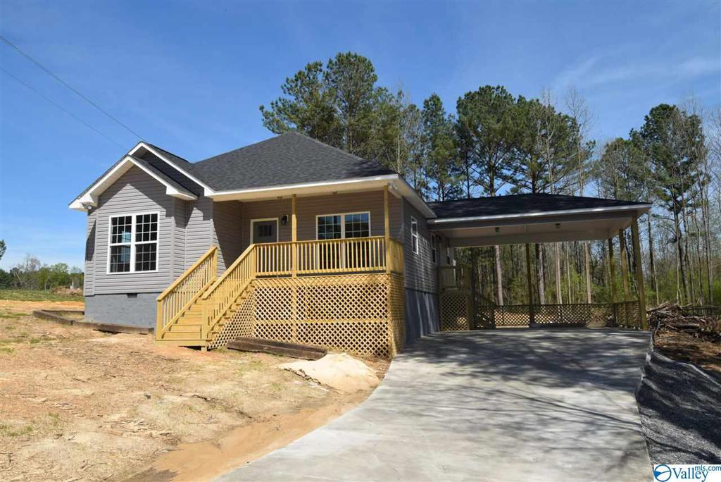 Photo of home for sale at 316 Bear Creek Trail, Union Grove AL
