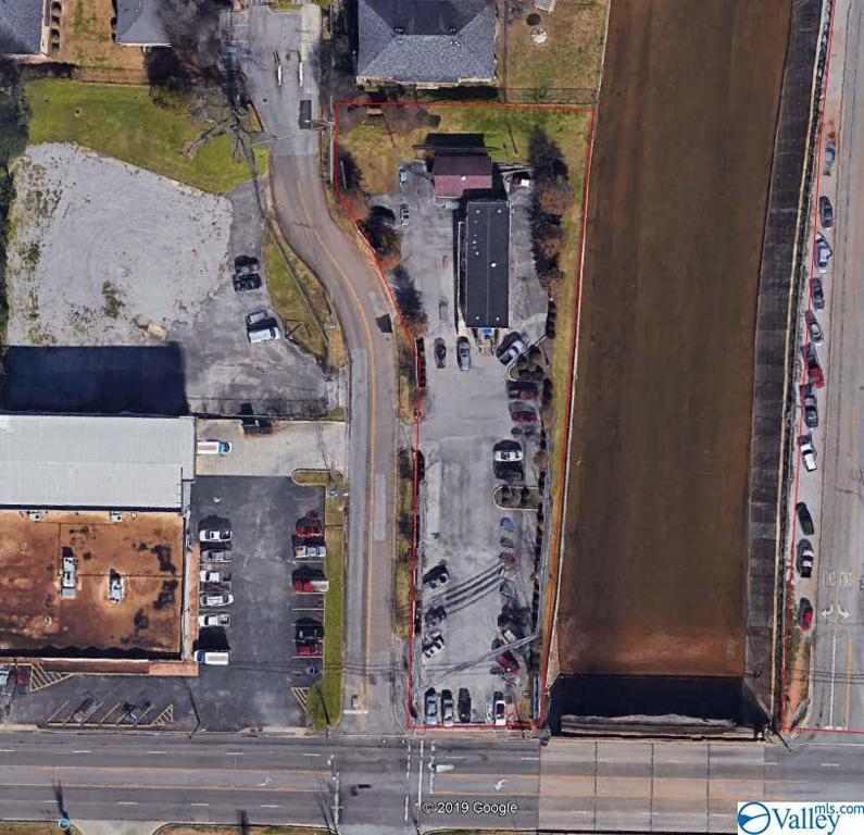 Photo of home for sale at 2304 Bob Wallace Avenue, Huntsville AL
