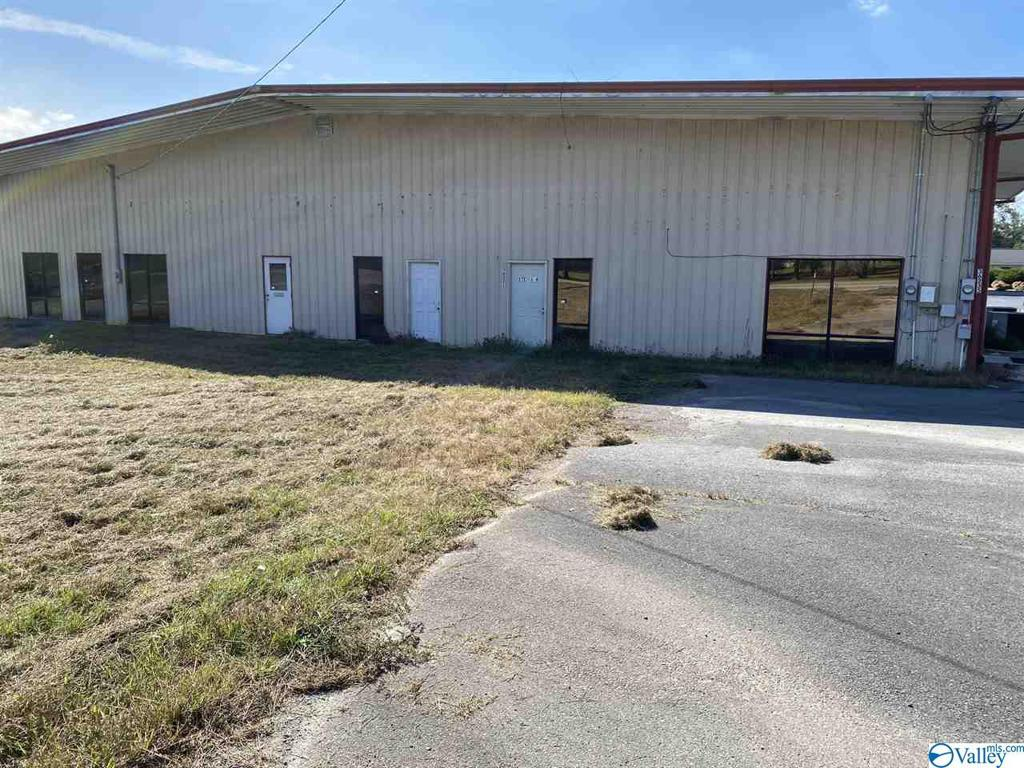 Photo of home for sale at 36235 Hwy 231, Ashville AL