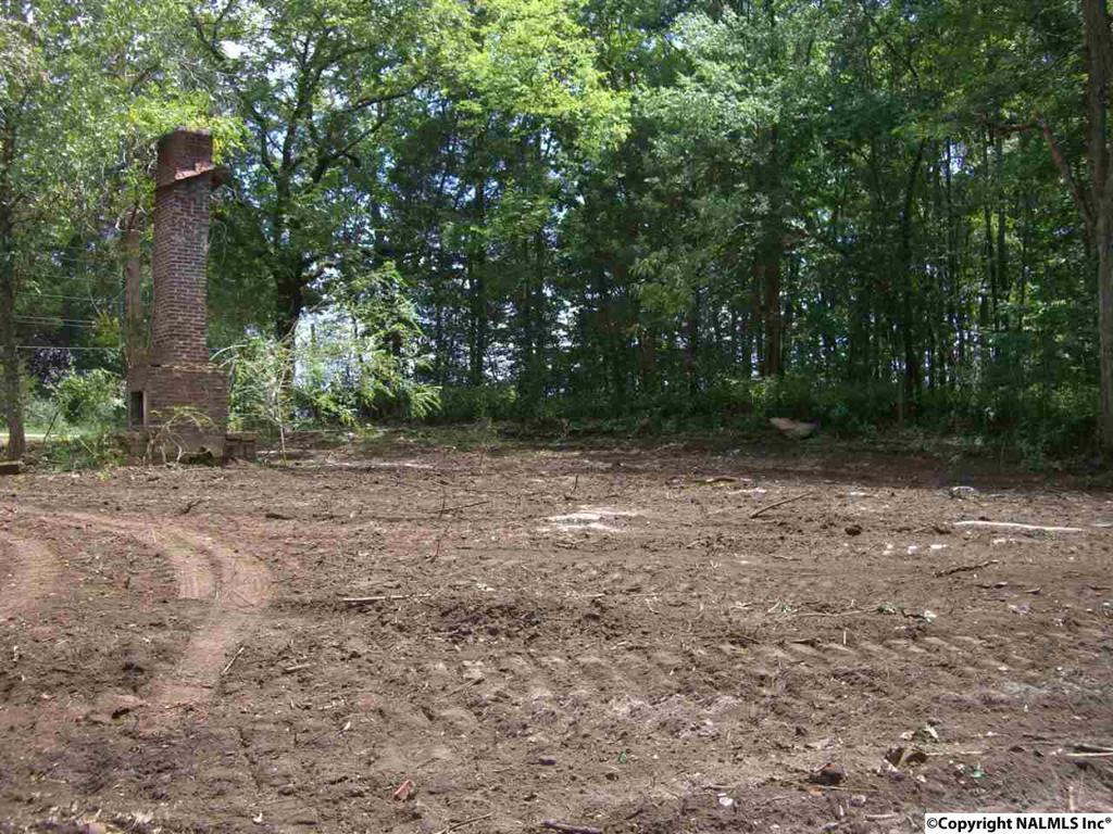 Photo of home for sale at 44 Tupelo Pike, Scottsboro AL
