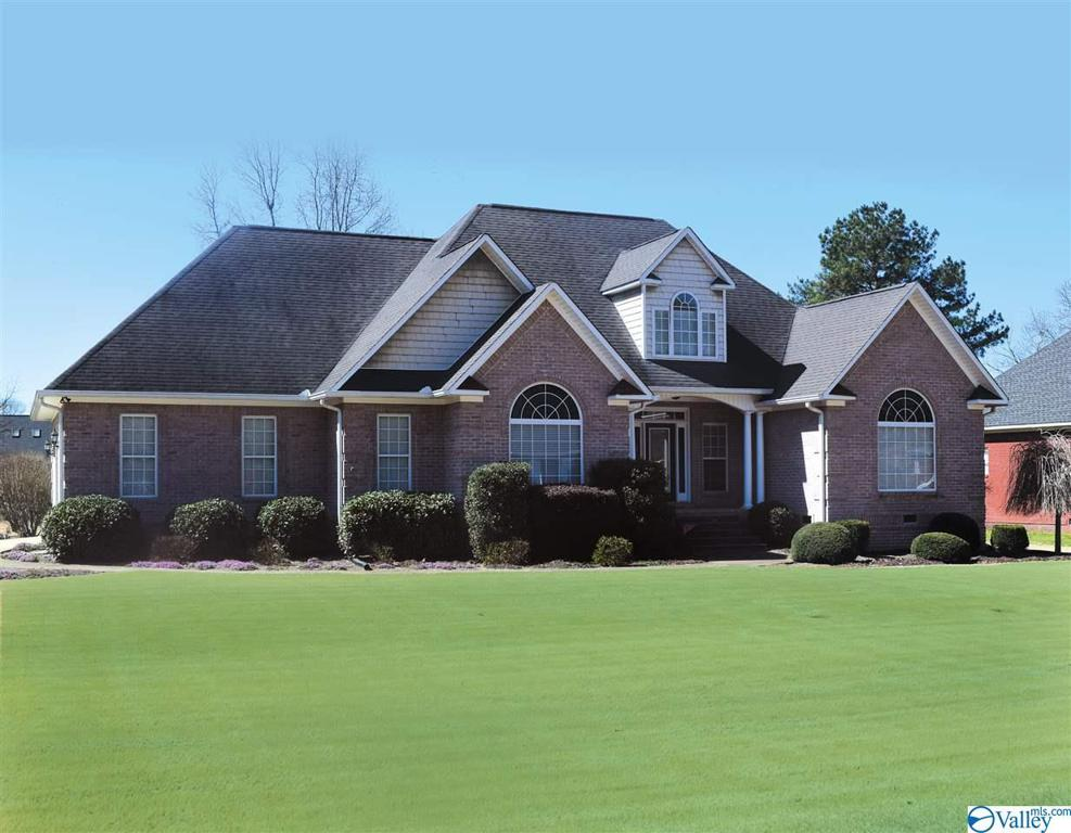 Photo of home for sale at 2890 Buckhaven Drive, Southside AL