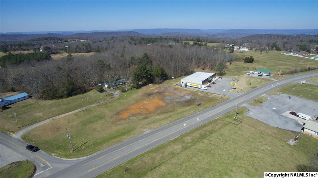 Photo of home for sale at 1 Cathedral Caverns Highway, Grant AL