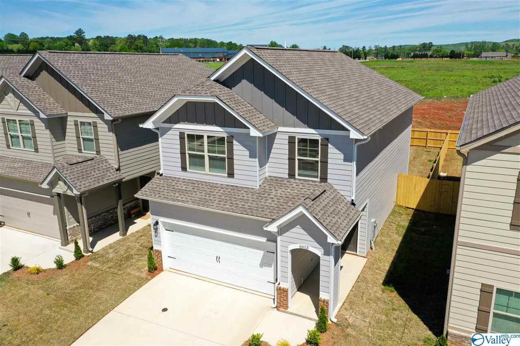 Photo of home for sale at 6030 Barringer Court, Huntsville AL