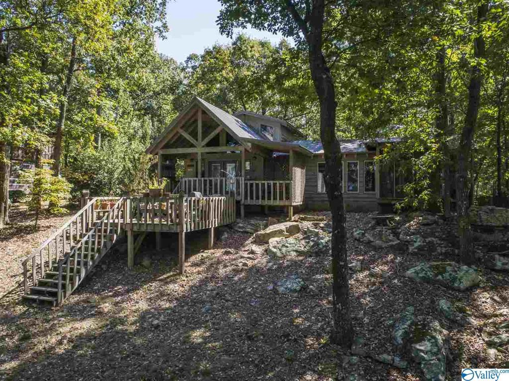 Photo of home for sale at 17475 County Road 89, Mentone AL
