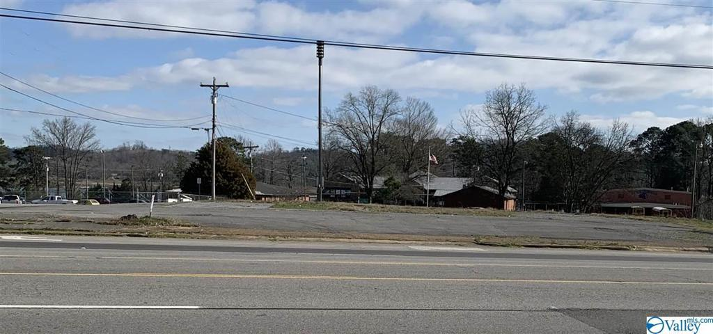 Photo of home for sale at 21192 Us Highway 431, Guntersville AL