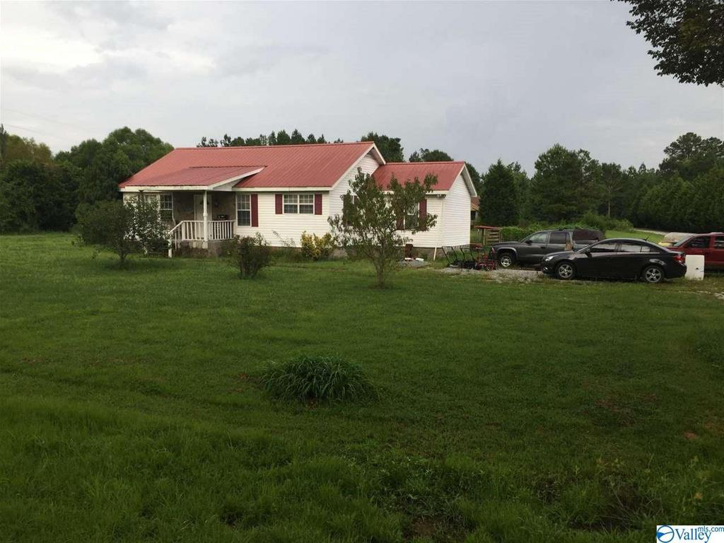 Photo of home for sale at 21422 Hays Mill Road, Elkmont AL