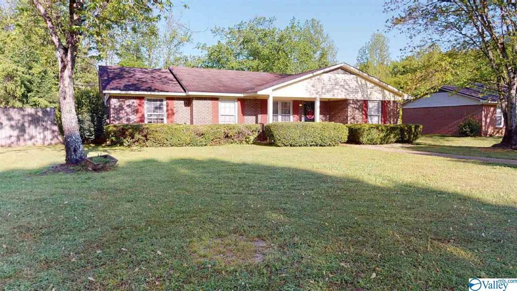 Photo of home for sale at 2116 Booker Drive, Athens AL