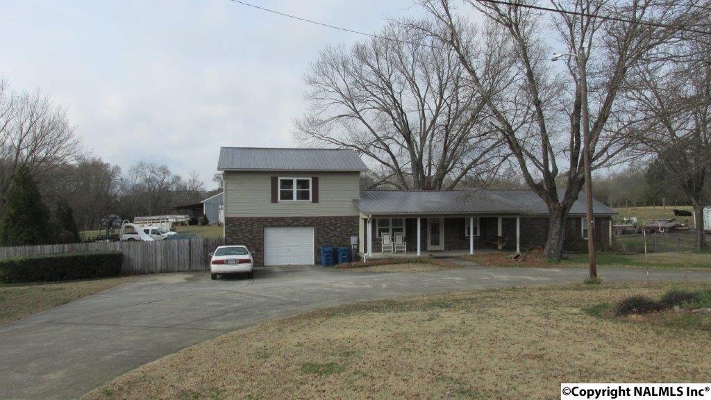 Photo of home for sale at Rose Road, Albertville AL