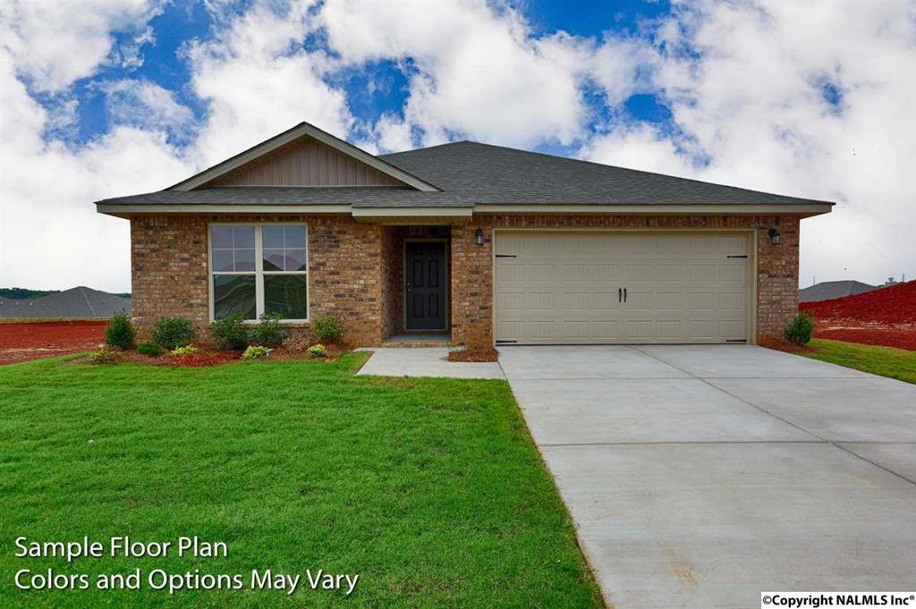 Photo of home for sale at 348 Willow Bank Circle, Priceville AL